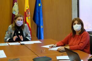 La directora general de Juventud y Deportes con Rosa Ana, consejera de Educación, Cultura y Deportes