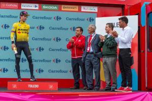 El presidente en la entrega de premios de La Vuelta 2019, junto a Bahamontes.