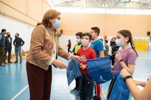 La consejera de Educación, Cultura y Deportes presentando la iniciativa CROSSEF en el día internacional de la Educación Física