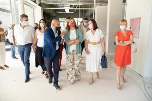 La consejera de Educación, Cultura y Deportes en la visita a las instalaciones de la federación de fútbol