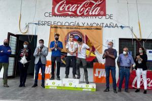 Entrega de trofeos en el silo de Chillarón