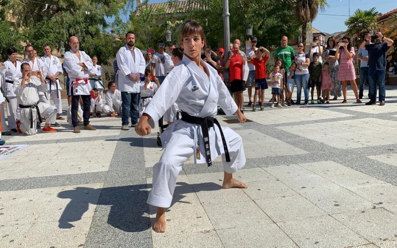 Sandra Sánchez participa en la concentración de karatekas en Cebolla
