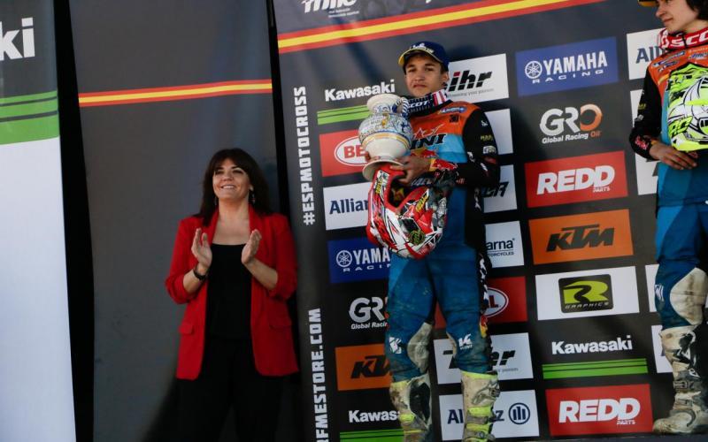 La directora general de Juventud y Deportes, Noelia Pérez, ha asistido al Campeonato de España de Motocross celebrado en Talavera de la Reina